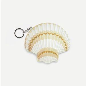 Handbags - 🌟5/$25🌟Seashell Coin Purse